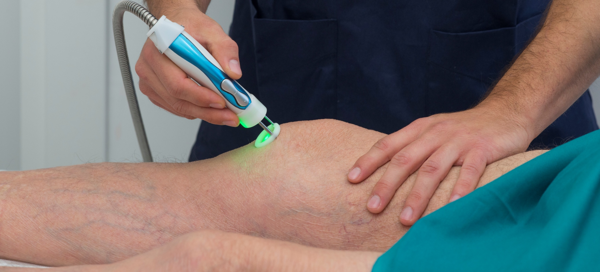 Knee laser therapy